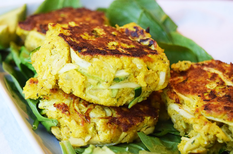These turmeric zucchini salmon patties are high in protein and healthy fats and come together in 20 minutes. Great way to use canned salmon, a healthy and cheap ingredient