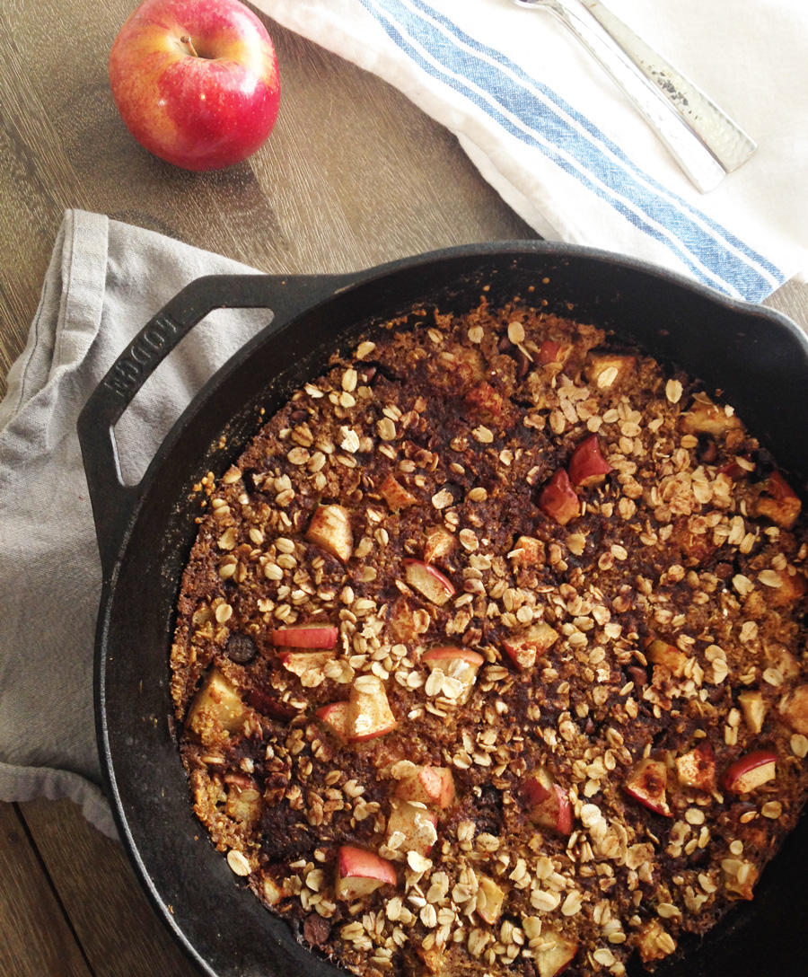 This Gluten-Free Quinoa Chocolate Chip Apple Crumble is a healthy, high fiber dessert option for your holiday gathering. It's packed with quinoa, oats, apples, chocolate and a touch of love.