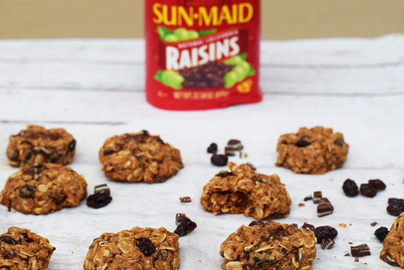 Oatmeal Raisin Peppermint Cookies are the perfect combination of chewy, chocolate and mint just in time for the Holiday Season. Made with oats and whole wheat flour, they offer up a healthy dose of fiber too | Healthy Christmas Cookies | Christmas Cookie Exchange #cookies #christmascookie #oatmealraisincookies